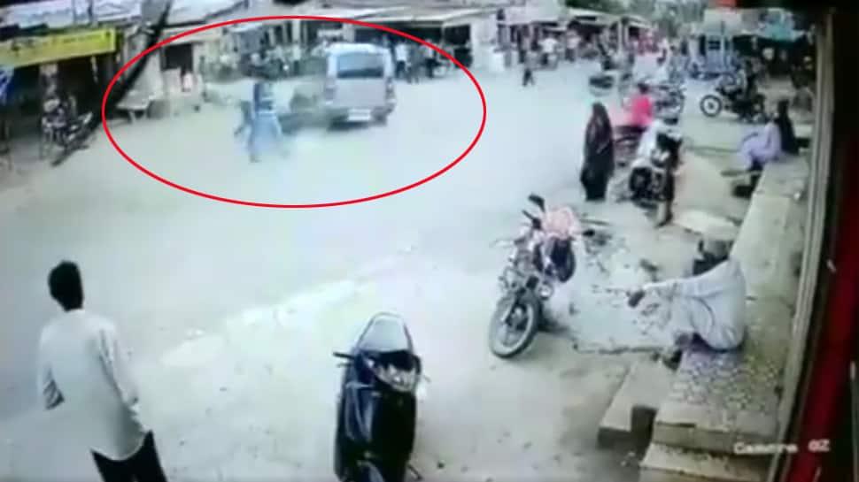 સોમનાથમાં ફિલ્મી અંદાજમાં પોલીસકર્મીને કચડવાનો પ્રયાસ, જુઓ VIDEO
