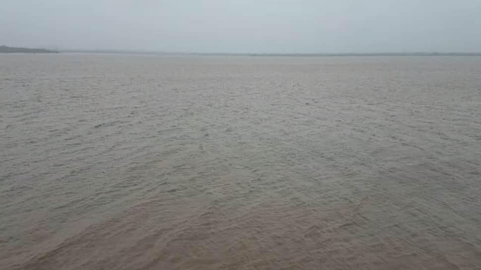 ગીરસોમનાથ જિલ્લામાં સાર્વત્રિક વરસાદ, ઉનામાં NDRFની ટીમ તૈનાત કરાઇ
