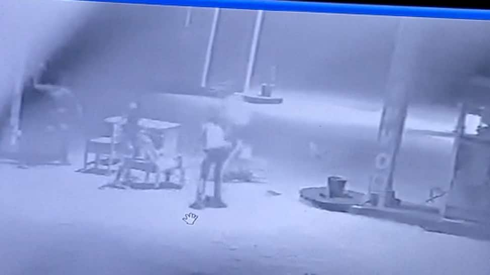 મોરબી માળિયા હાઇવે પર પેટ્રોલ પંપમાં લૂંટ, સમગ્ર ઘટના CCTVમાં થઇ કેદ