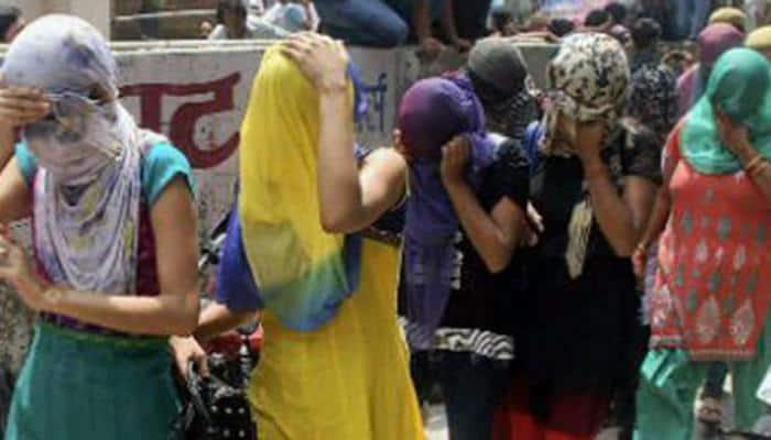 રંગીલા રાજકોટમાંથી કૂટણખાનું ઝડપાયું, રંગરેલીયા મનાવતા 5 લોકોની ધરપકડ