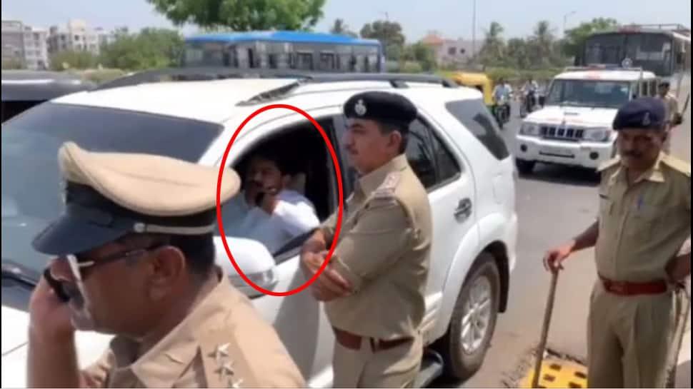 આગકાંડ : હાર્દિક પટેલ સુરત પહોંચતા જ પોલીસે કરી તેની અટકાયત