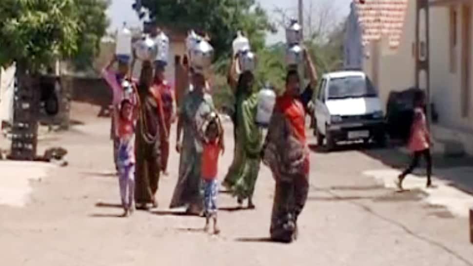 ગુજરાતના આ ગામમાં નથી પાણીની સમસ્યા, ગ્રામજનોને પીવા માટે મળે છે મિનરલ વોટર