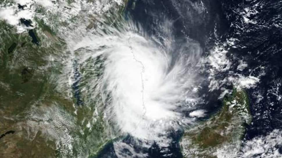 વાવાઝોડાના લેટેસ્ટ અપડેટ : વેરાવળથી 'વાયુ'નું અંતર ઘટ્યુ, ગુજરાતની વધુ નજીક પહોંચ્યું