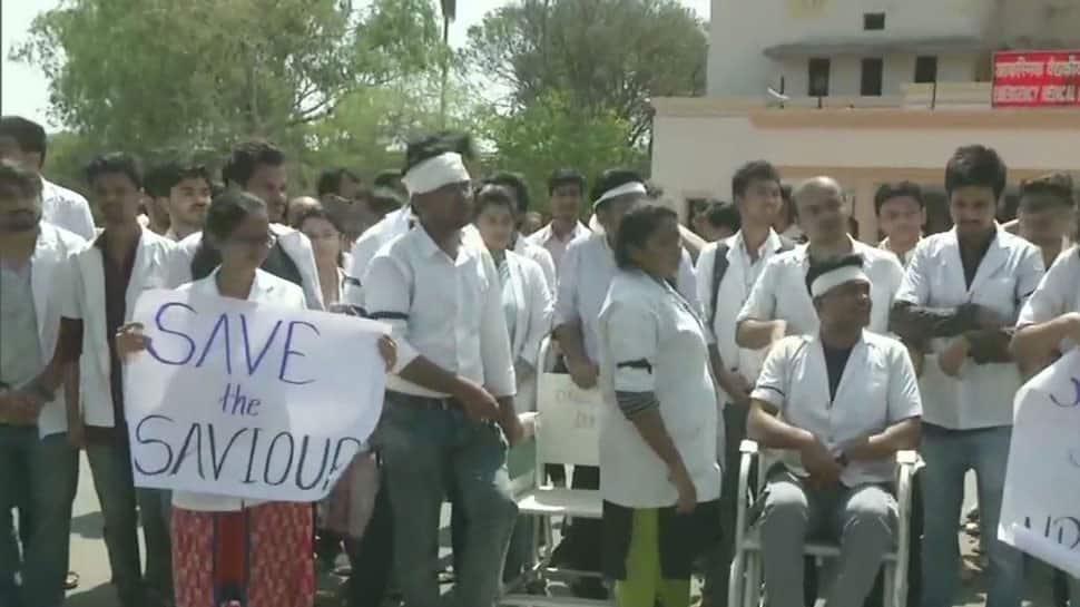 પ.બંગાળઃ ડોક્ટરોની હડતાળ હવે પહોંચી કોલકાતા હાઈકોર્ટ, ચીફ ડિવિઝન બેન્ચ કરશે સુનાવણી
