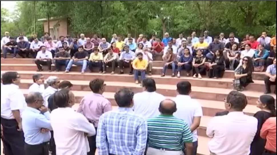 ડોક્ટર પર હુમલાની અસર ગુજરાતમાં પણ, હડતાળ પર ઉતર્યા હજારો તબીબ