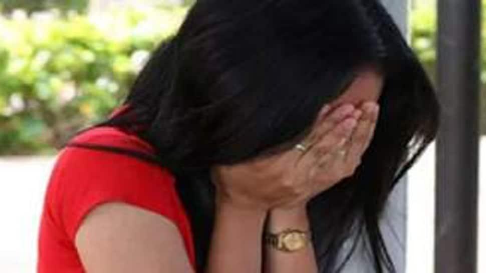 Love Is Blind: 34 વર્ષની મહિલાના પ્રેમમાં પાગલ 19 વર્ષનો યુવક, આપી જાનથી મારી નાખવાની ધમકી