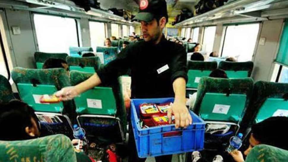 Indian Railwaysએ શરૂ કરી આ સુવિધા, મુસાફરોને સીટ પર મળશે સ્વાદિષ્ટ ભોજન