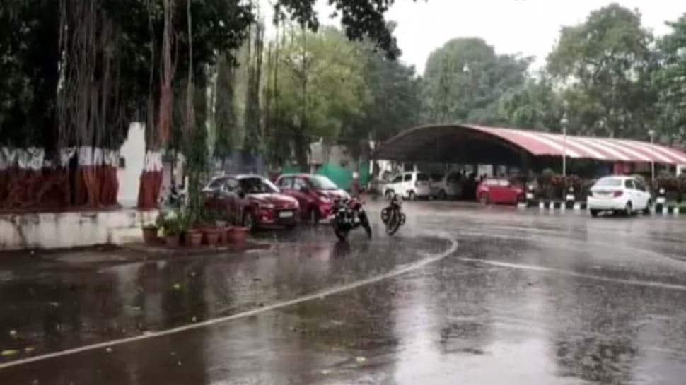 'ક્યાર' વાવાઝોડું ઓમાન તરફ ફંટાયું, પણ દિવાળીની સવારથી જ ગુજરાતમાં ઠેકઠેકાણે વરસાદ પડ્યો...