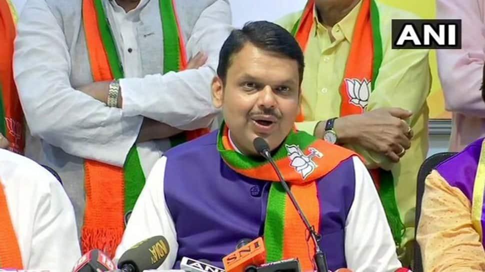 BJP ધારાસભ્ય દળના નેતા ચૂંટાયા ફડણવીસ, ઉદ્ધવ ઠાકરેએ ધારાસભ્યોને તાબડતોડ બોલાવ્યા