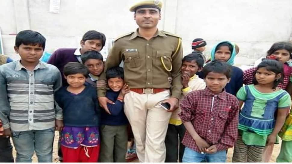 આ પોલીસકર્મી ગરીબ, અનાથ બાળકોની જિંદગી સુધારવા કરે છે એવું કામ, જાણીને સલામ કરશો