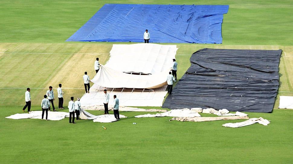 રાજકોટ ટી20: ભારત-બાંગ્લાદેશ મેચ પર ઘેરાયા 'વાદળો', સાંજે 7 કલાકે શરૂ થવાની છે મેચ