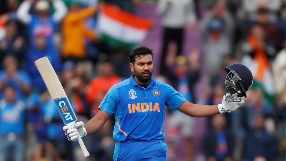રોહિત શર્મા 100 ટી20 મેચ રમનારો પ્રથમ ભારતીય ખેલાડી બન્યો, રાજકોટમાં બનાવ્યો રેકોર્ડ