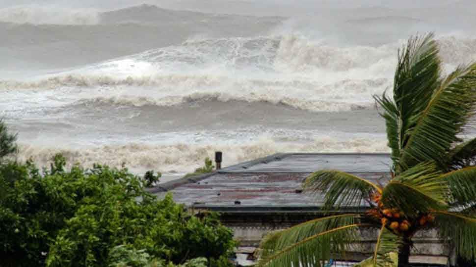 પશ્વિમ બંગાળના તટીય વિસ્તારો સાથે ટકરાયું ચક્રવાતી વાવાઝોડું 'બુલબુલ' હવે બાંગ્લાદેશની તરફ આગળ વધ્યું