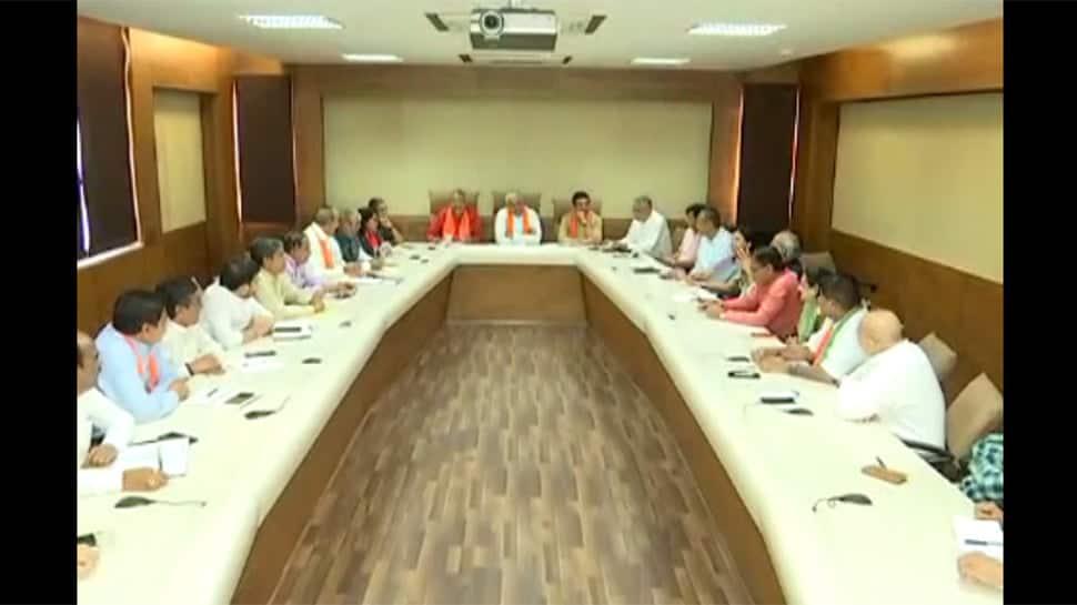 પ્રદેશ BJPની સેન્સ લેવાની કામગીરી સામે ઉઠ્યા સવાલ, હોદ્દેદારોએ નામ આપવાના બદલે ઠાલવ્યો રોષ
