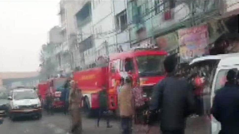 LIVE: જૂની દિલ્હીમાં ભીષણ આગ, 43 લોકોના મોત, અત્યાર સુધી 56 લોકોને રેસ્ક્યૂ કરાયા