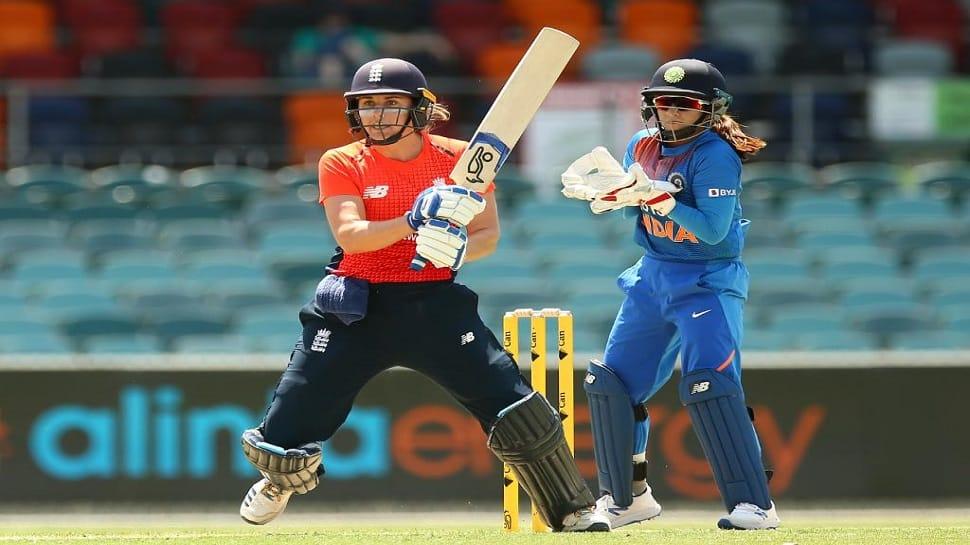 Tri T20 Series: મંધાનાની શાનદાર ઈનિંગ પાણીમાં, ઈંગ્લેન્ડે ભારતને 4 વિકેટે હરાવ્યું