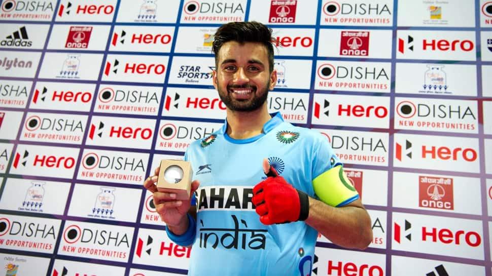 મનપ્રીતે FHIનો વર્ષનો સર્વશ્રેષ્ઠ પુરૂષ ખેલાડીનો એવોર્ડ જીત્યો, બન્યો પહેલો ભારતીય