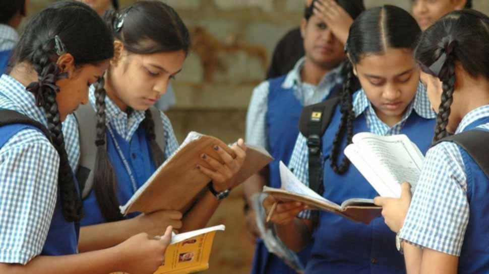 ફી મુદ્દે સરકારના આદેશ બાદ શાળા સંચાલકોમાં નારાજગી, ઓનલાઇન શિક્ષણ બંધ કરવાની કરી વાત