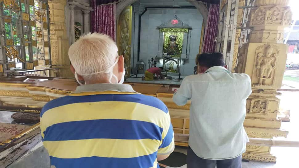 શ્રાવણ મહિનાને કારણે અમદાવાદના મંદિરોમાં ટેસ્ટીંગ, 3 કોરોના પોઝિટિવ નીકળ્યાં