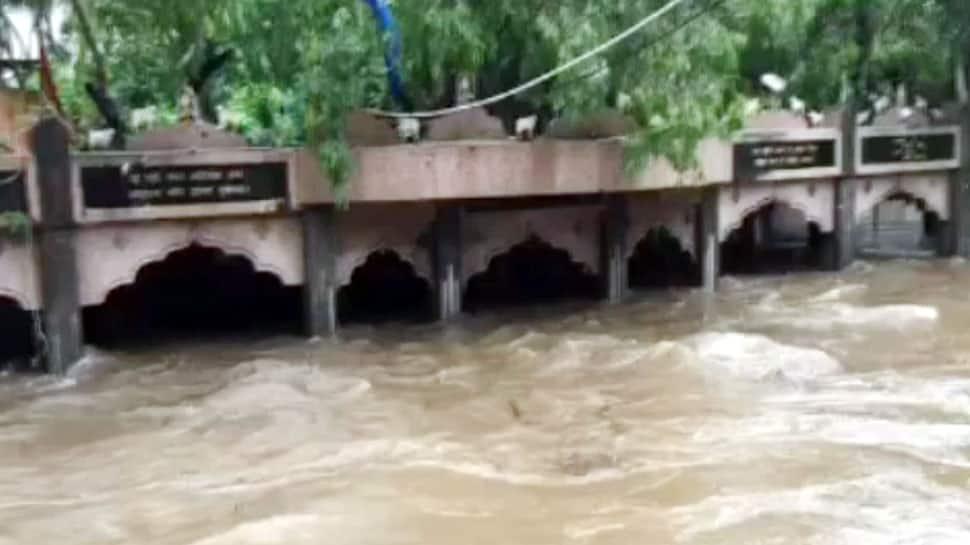 ગીરની નદીઓમાં ઘોડાપૂર, માધવરાયજી ફરી એકવાર 15 ફૂટ પાણીમાં ગરકાવ