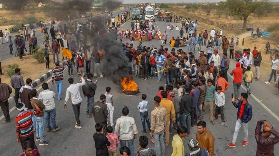 રાજસ્થાનમાં આદિવાસી આંદોલન સમેટાયું, ગુજરાતનાં બ્લોક કરાયેલા રસ્તાઓ ખોલવામાં આવ્યા