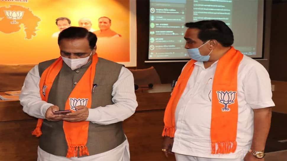 'Hi' લખવાથી ગુજરાત સરકારની તમામ યોજનાની માહિતી આવી જશે તમારા વોટ્સએપ પર