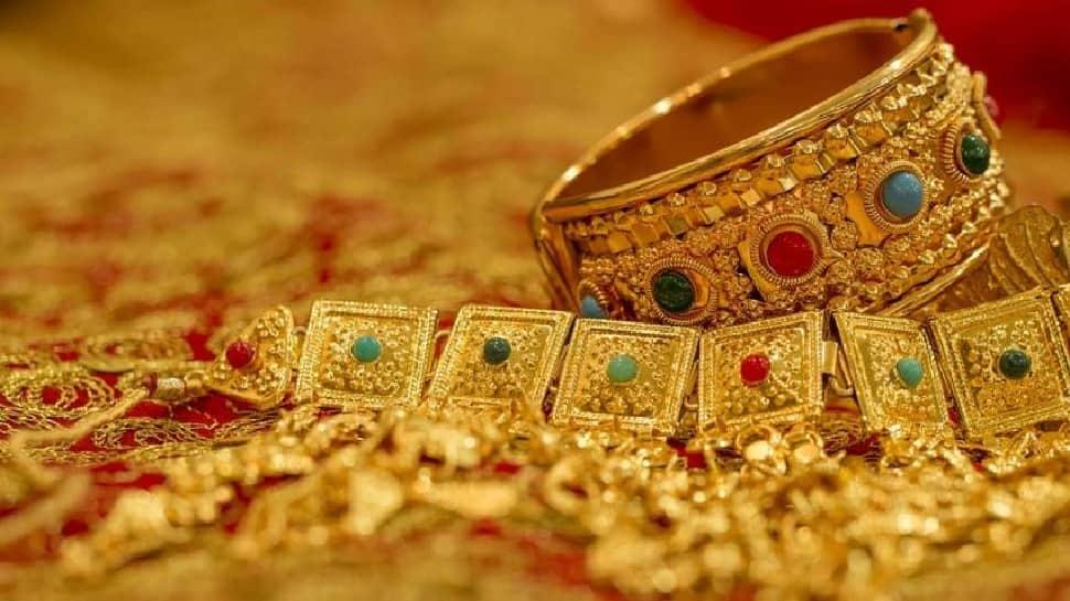 Gold Rate Today: સોનાના ભાવ ઘટ્યા, ચાંદીમાં વધારો, જાણો આજની કિંમત