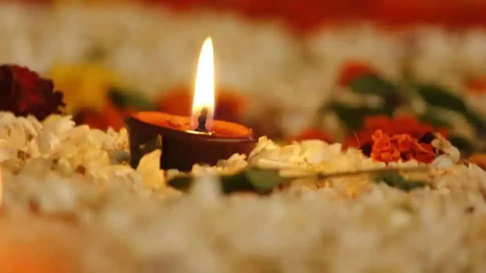 Diwali 2020: Learn the moment of Lakshmi Puja
