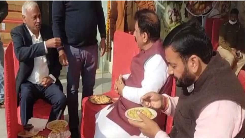 ઉપવાસ પર જતાં પહેલાં 'MP-MLA' એ કર્યું ભોજન, VIDEO VIRAL