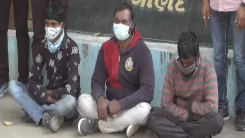 હવાઈ મુસાફરી કરીને લોકોના ઘરોમાં ચોરી કરતી ગેંગ આણંદથી પકડાઈ