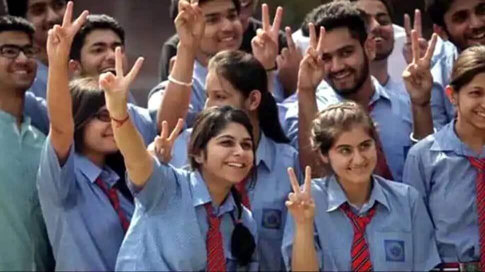 Tamil Nadu: પરીક્ષા આપ્યા વગર પાસ થશે ધોરણ 9, 10 અને 11ના વિદ્યાર્થીઓ, મુખ્યમંત્રીએ કરી જાહેરાત