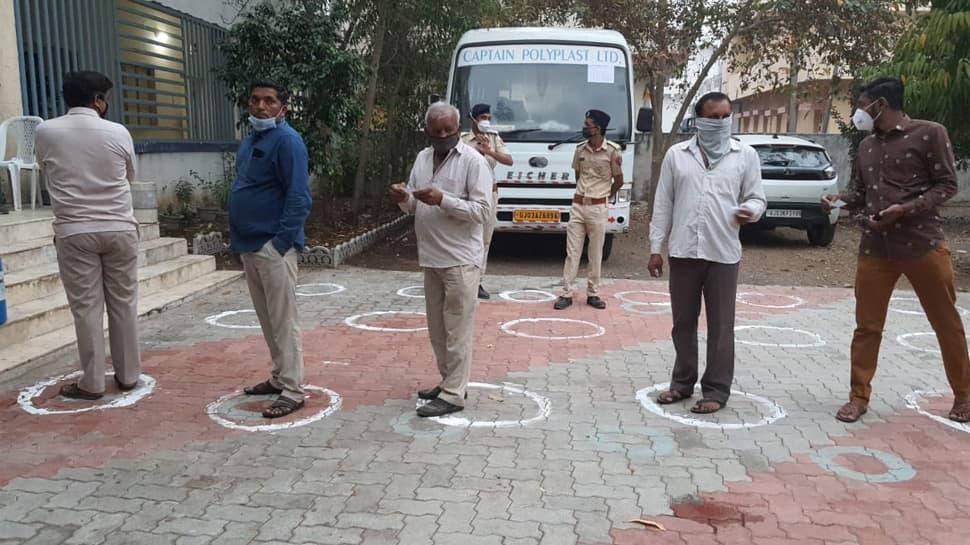 મતદાનનું મહાકવરેજ જુઓ Live, આજે ગુજરાતમાં બીજા તબક્કાનું મતદાન શરૂ