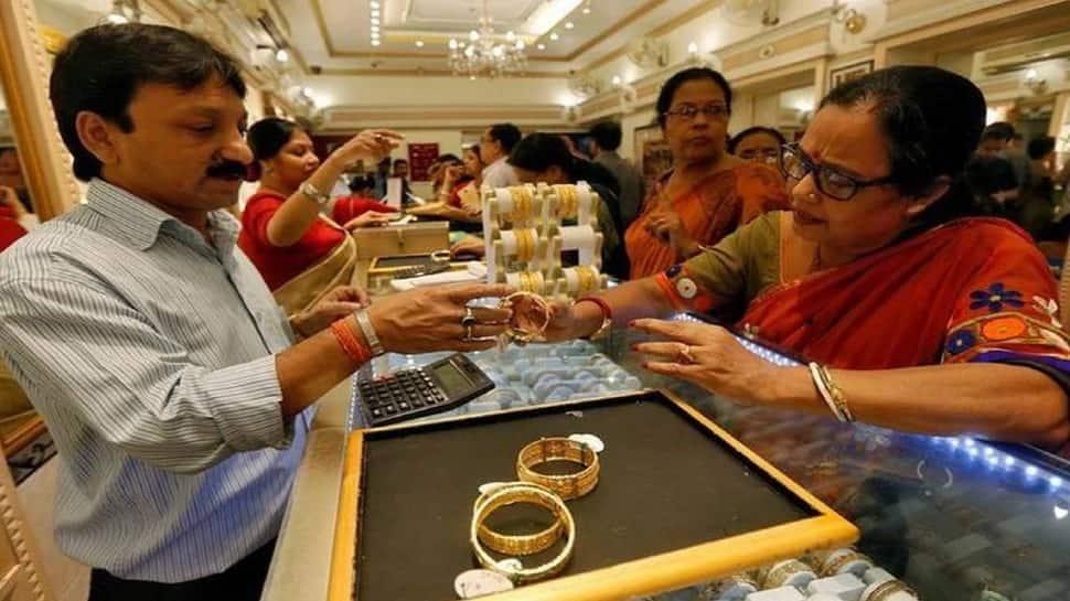Gold Price Today, 1 March 2021: 10,000 રૂપિયાથી વધુ સસ્તું મળી રહ્યું છે સોનું, હવે વધશે ભાવ!