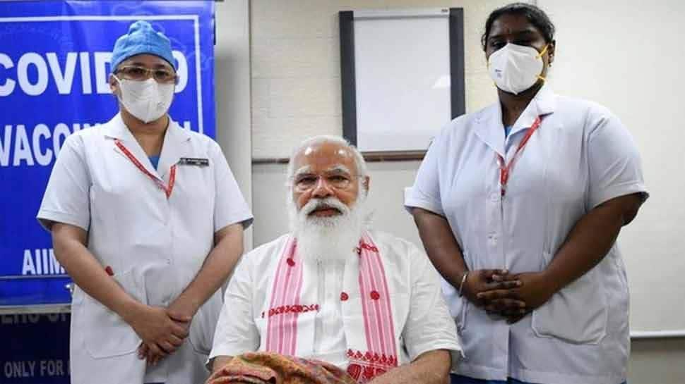 ... જ્યારે વેક્સિન લેવા દરમિયાન PM મોદીએ નર્સને કહ્યુ- નેતા જાડી ચામડીના હોય છે, મોટી સોય લગાવજો