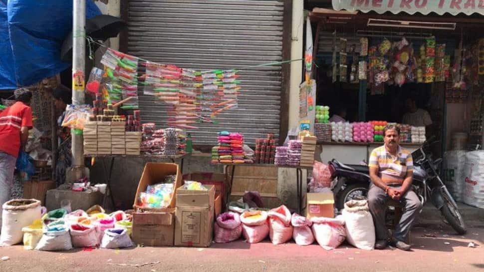 ગુજરાત સરકારના એક નિર્ણયથી રંગ-પીચકારી વેચતા વેપારીઓની જિંદગી બેરંગ બની