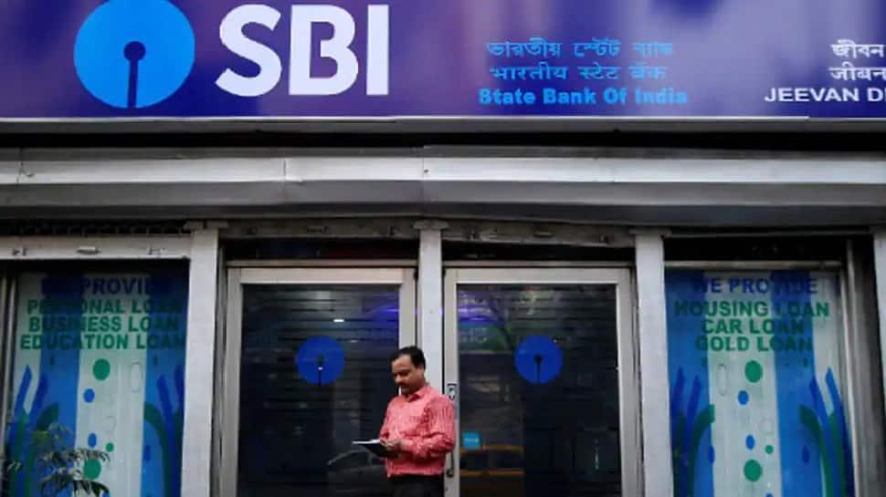 SBI Alert: બેંકે પોતાના 45 કરોડ ગ્રાહકોને કર્યા સાવધાન ! મોબાઈલમાં આ માહિતી સેવ કરી તો ખાતું થશે ખાલીખમ!