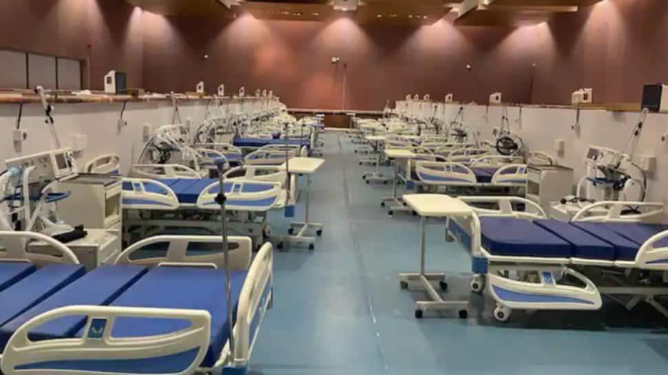 Ahmedabad ની ધનવંતરી હોસ્પિટલ બહાર બેડ ખાલીના માર્યા બોર્ડ, ICU માં એક પણ બેડ નથી ખાલી