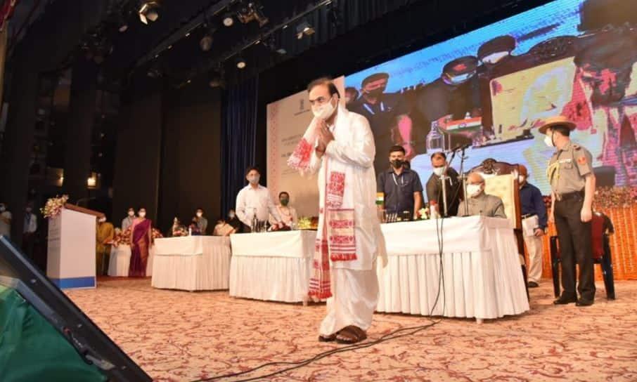 Himanta Biswa Sarma બન્યા અસમના મુખ્યમંત્રી, શપથ વિધિમાં સામેલ થયા જેપી નડ્ડા