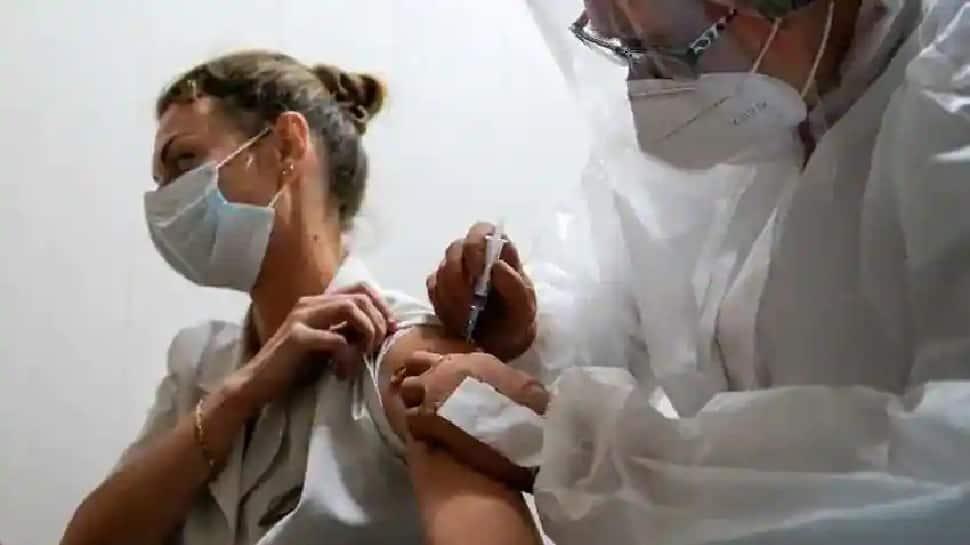 Covid vaccination: વેક્સિન લીધા બાદ હોસ્પિટલમાં દાખલ થવાની આશંકા માત્ર 0.06 ટકાઃ રિસર્ચ