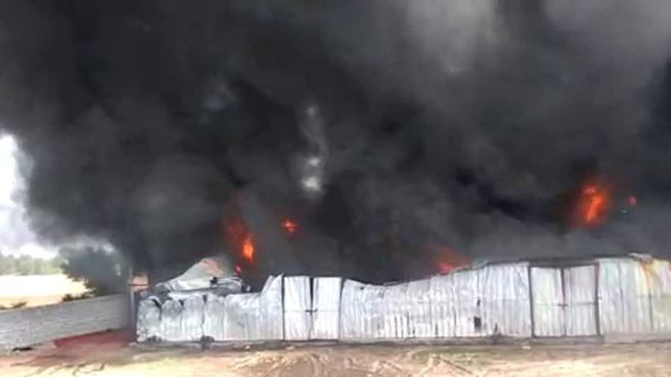 અમદાવાદના ગોધાવી પાસે લાગી ભીષણ આગ, ફાયર બ્રિગેડની 20 ગાડીઓ ઘટનાસ્થળે