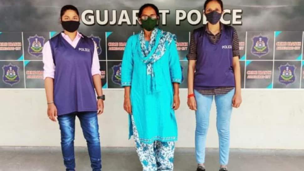 Ahmedabad: હનીટ્રેપ ગેગમાં સામેલ વધુ એક મહિલા પોલીસકર્મીની ક્રાઈમ બ્રાન્ચે કરી ધરપકડ