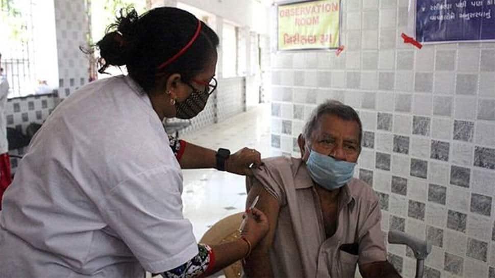 રાજકોટ પાલિકાની ઓફર : આરોગ્યની ટીમ સોસાયટીમાં વેક્સિન મૂકવા આવશે
