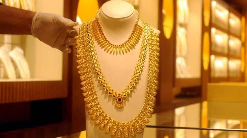 Gold Price Today: સોનાના ભાવમાં કડાકો, ચાંદી થઈ સસ્તી, જાણો 24 કેરેટ Gold ની કિંમત
