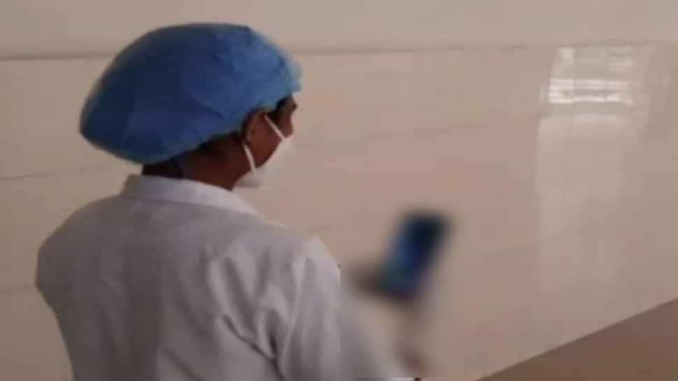 સરકારી હોસ્પિટલના HOD એ નર્સને આવુ કહ્યું,'તારે ડ્રેસ બદલવો હોય તો મારી સામે બદલ'