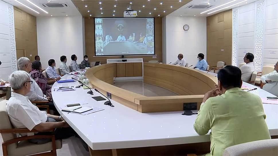 GANDHINAGAR: રાજ્યની નગરપાલિકાઓને તેની કાર્યક્ષમતાને આધારે રેન્કીંગ, ઇનામ આપશે