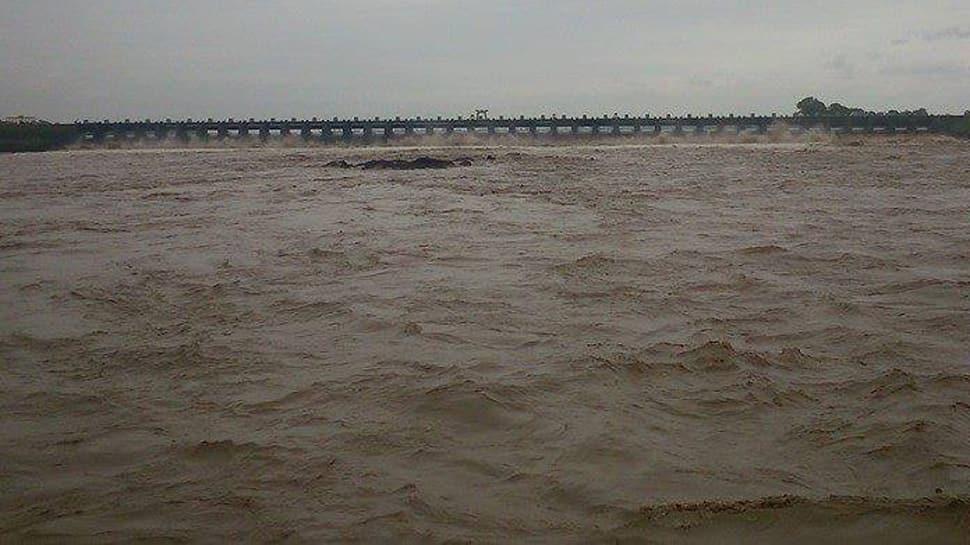 Gujarat માં ભારે વરસાદની ચેતવણી: હથનુર ડેમના 41 દરવાજા ખોલ્યા, તાપીના આ ગામોમાં એલર્ટ જાહેર