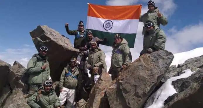 Kargil Vijay Diwas 2021: PM મોદી સહિત દિગ્ગજોએ શહીદોને કર્યા નમન, ભારતીય સેનાએ કરી આ ભાવુક ટ્વીટ
