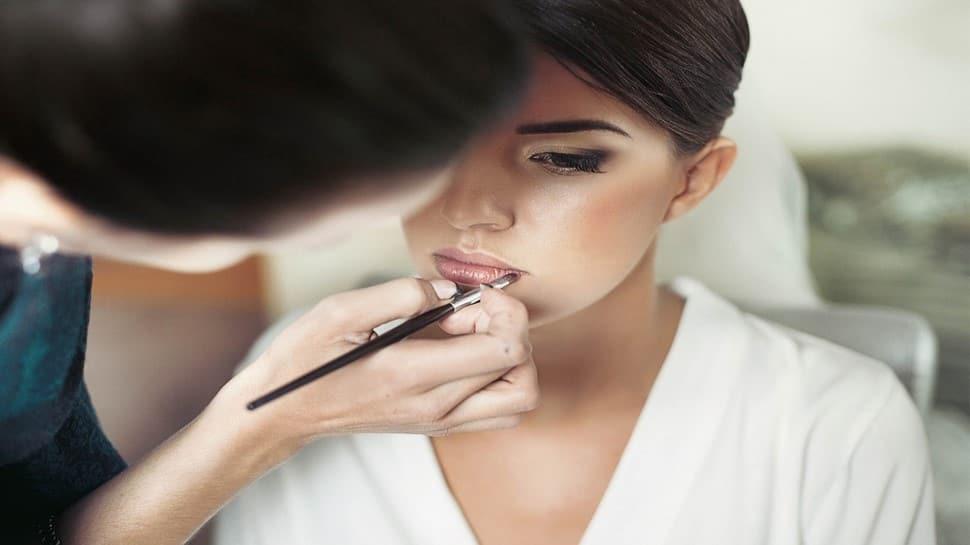 Makeup કરતા સમયે આ વાતનું રાખો ખાસ ધ્યાન, નહીં તો થશે નુકસાન