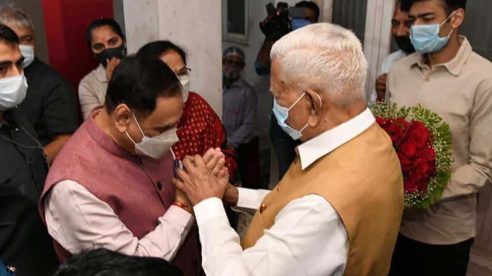 CM Vijay Rupani અને વજુભાઇ વચ્ચે 30 મિનીટની બેઠક, શું વજુભાઈની થશે સક્રિય રાજકારણમાં એન્ટ્રી?