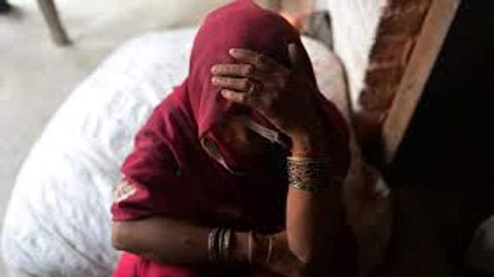 અમરેલી : તૌકતે વાવાઝોડામાં સહાયના નામે નેતાએ મહિલા સાથે આચર્યુ દુષ્કર્મ